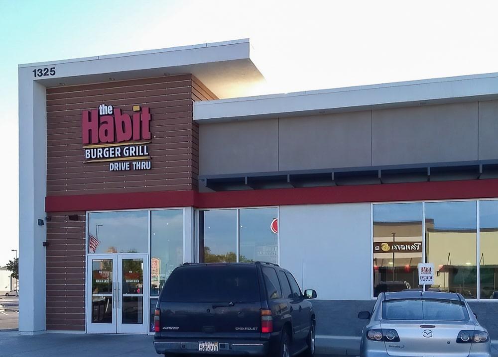 Aluminum Architectural Cantilevered Trellis Canopies - The Habit Burger Grill - Manteca, California
