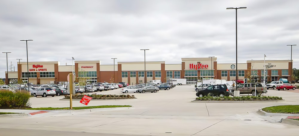 Awnex - Cantilever Architectural Canopies - Hy-Vee - Coralville, Iowa