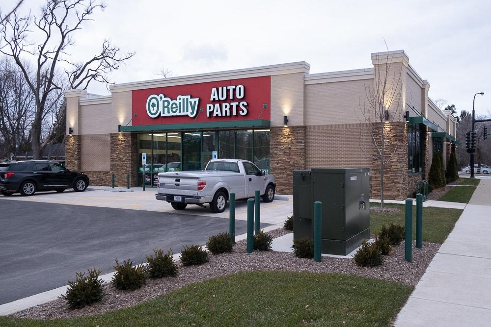 Awnex - Aluminum architectural hanger rod canopies - O'Reilly Auto Parts - Elgin, Illinois